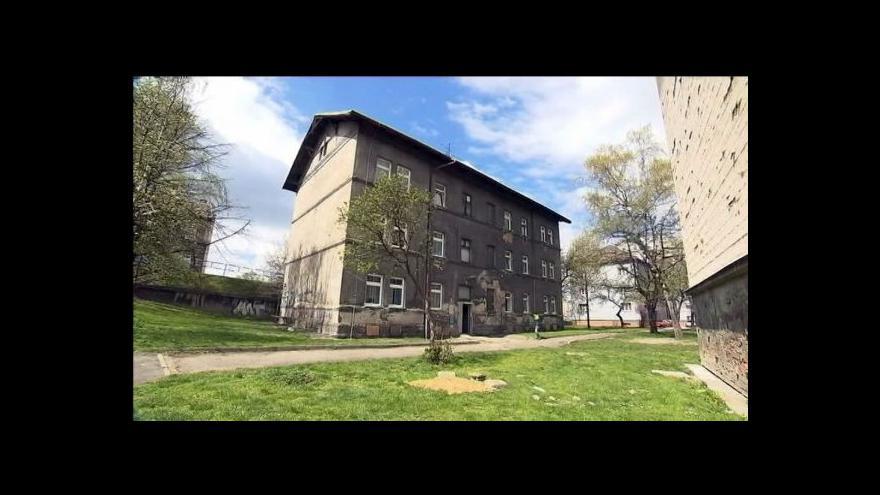 Video Příjemcům dávek na bydlení hrozí, že o ně přijdou