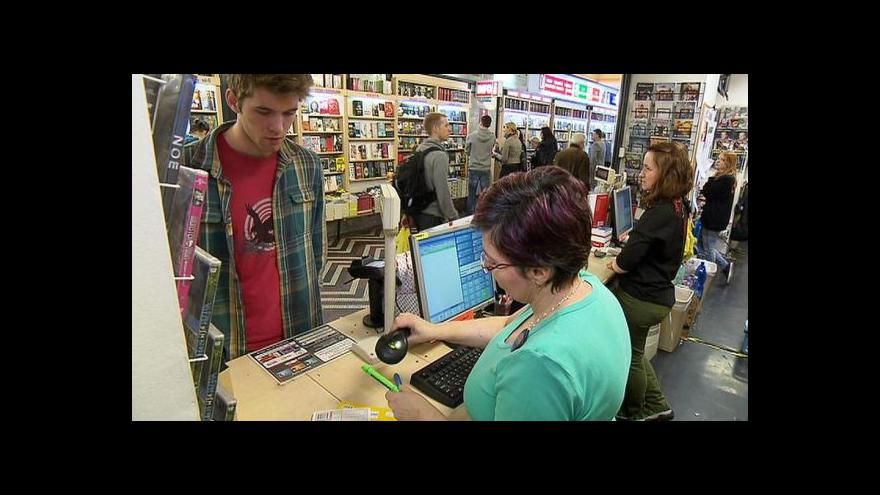 Video Události: Knihy dnes byly o 15 procent levnější