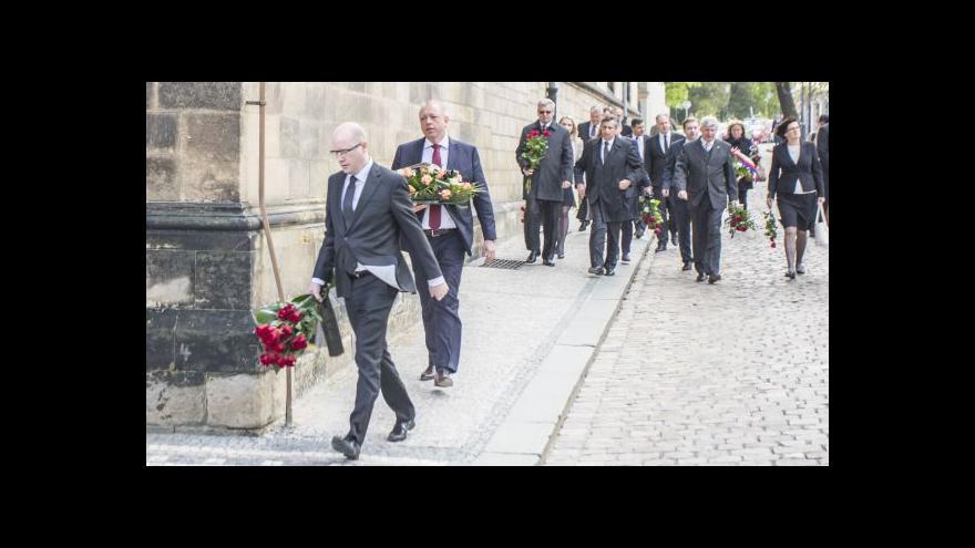 Video Veřejnost i politici se rozloučili se Stanislavem Grossem