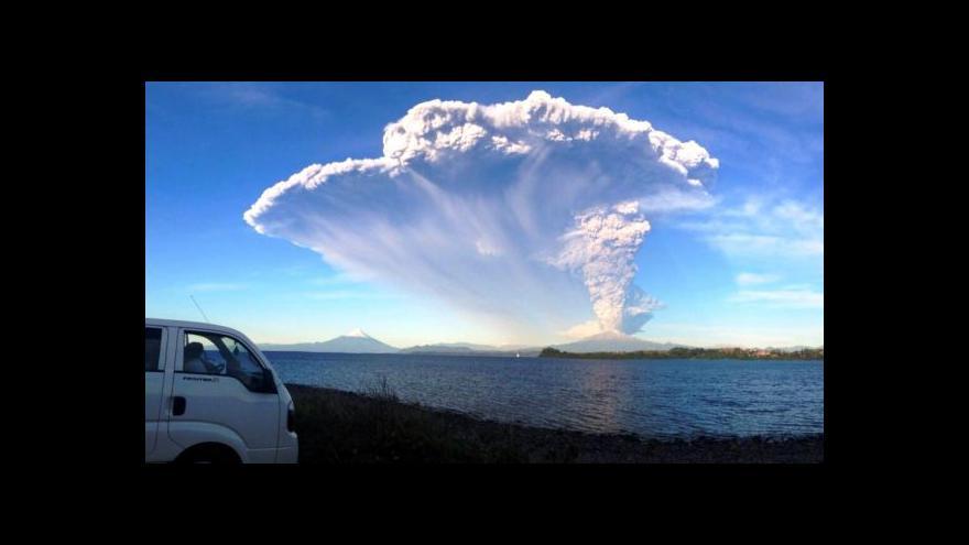 Video Chilská sopka narušuje dopravu na zemi i ve vzduchu