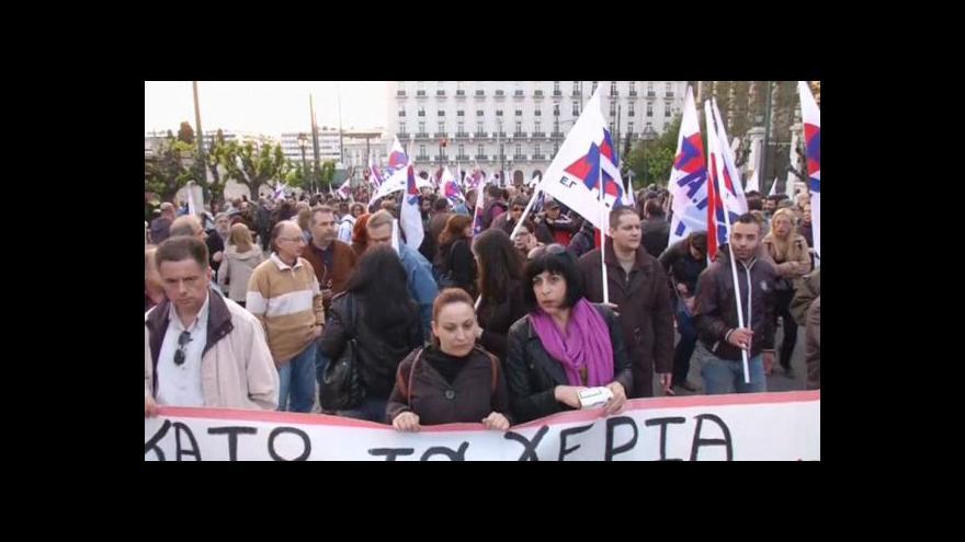 Video Atmosféra v řeckých ulicích znovu houstne