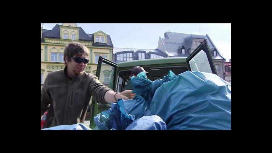 Video Téma Událostí ČT: Odpadky na vrchlabském náměstí a černé skládky