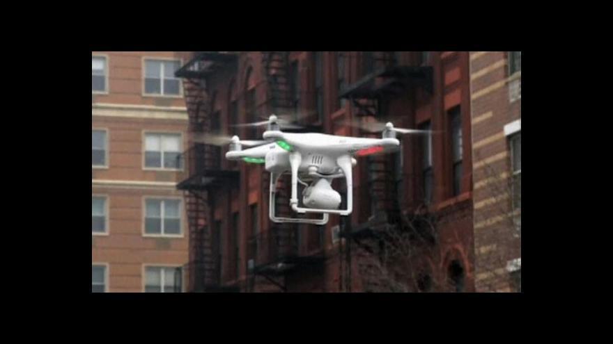 Video Nový dron využívá křídla po vzoru ptáků