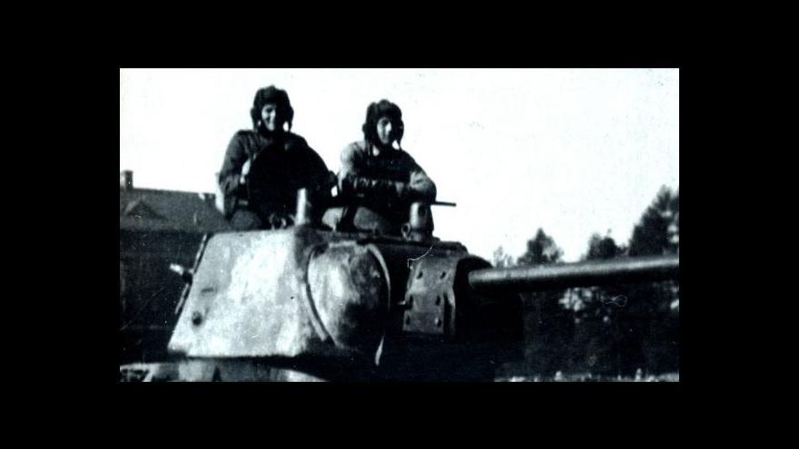 Video Tři tankisté vzpomínají na osvobození Ostravy