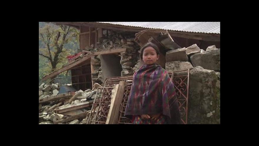 Video Vesnice v horách jsou srovnány se zemí