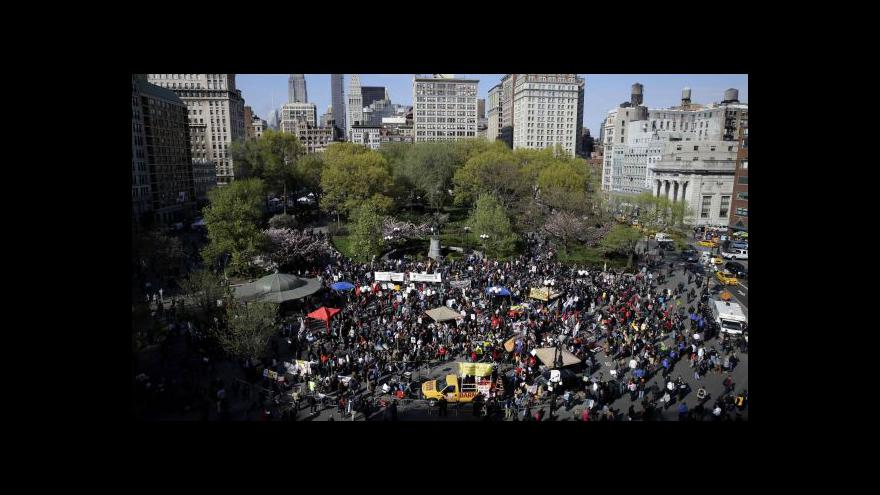 Video Obvinění policistů hlasité protesty umírnilo