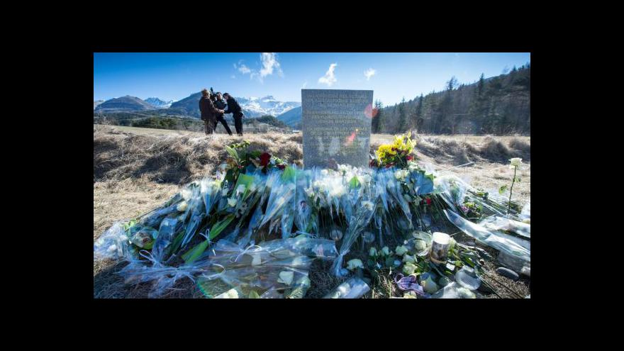 Video Letecký publicista: Lubitz mohl svými manévry testovat reakce