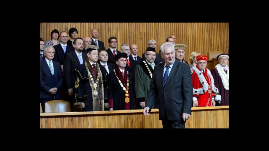 Video Téma Událostí ČT: Zeman znovu ve sporu s akademiky