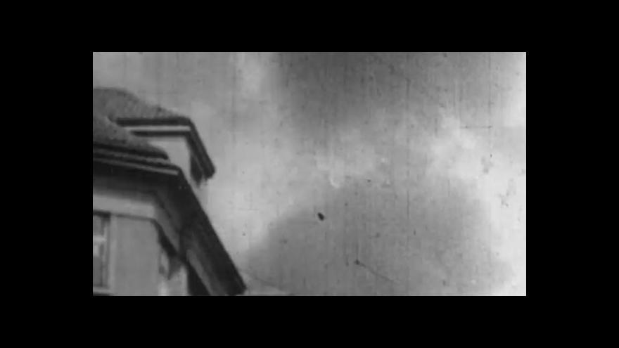 Video Reportéři ČT: Bomby s rudou hvězdou
