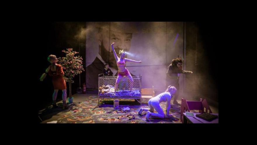 Video Bez komentáře: Ibsenova hra v brněnském HaDivadle