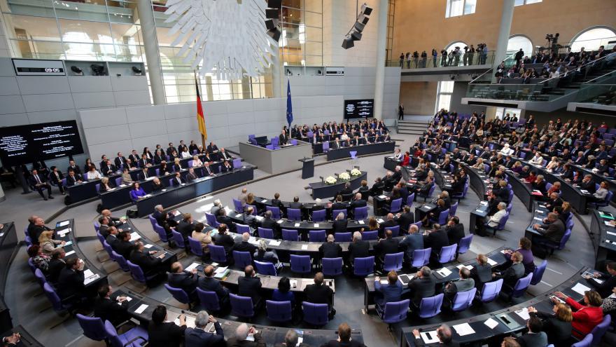 Video Reportáž: Němečtí poslanci rozhodnou o pomoci Řecku