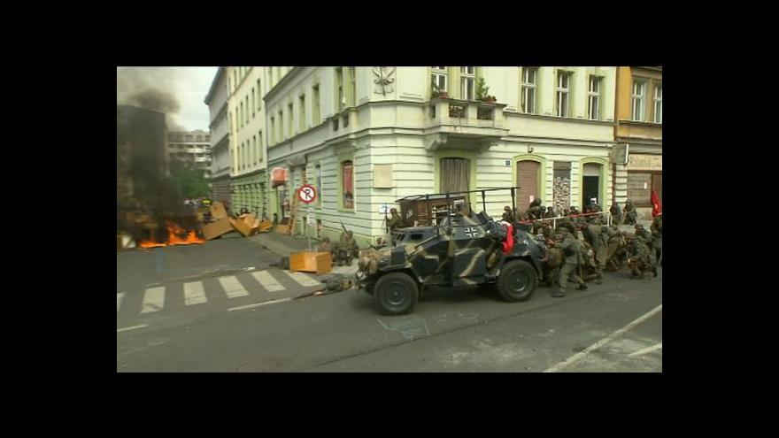 Video Válečný rachot se vrátil na Žižkov, povstalci se střetli s nacisty