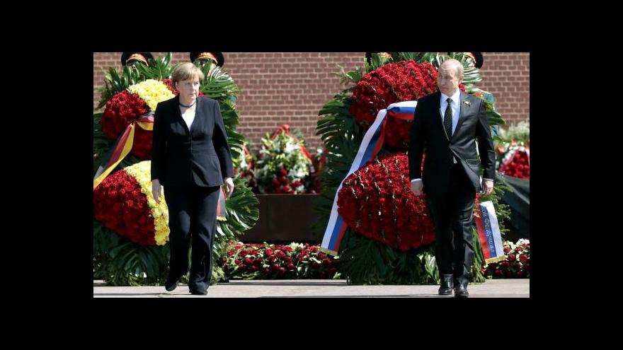 Video Reportáž: Merkelová v Moskvě uctila padlé