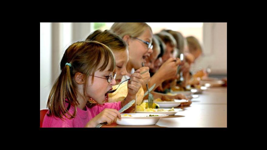 Video UDÁLOSTI: Školní jídelny čekají změny