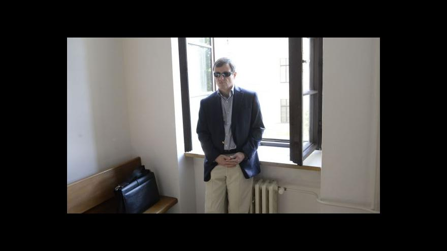 Video Závěrečná řeč žalobce, pro Ratha žádá nejméně 9 let