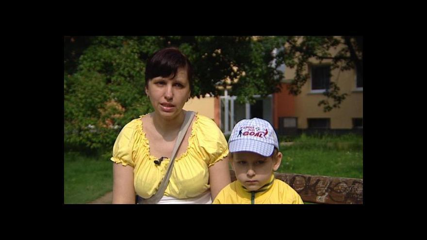 Video Olena Urazolinová získala práci účetní