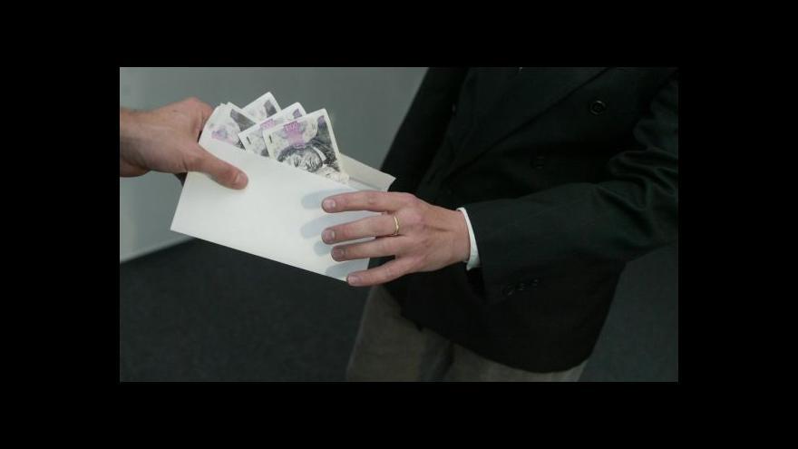 Video Kafka: Situace ohledně korupce se mírně zlepšuje