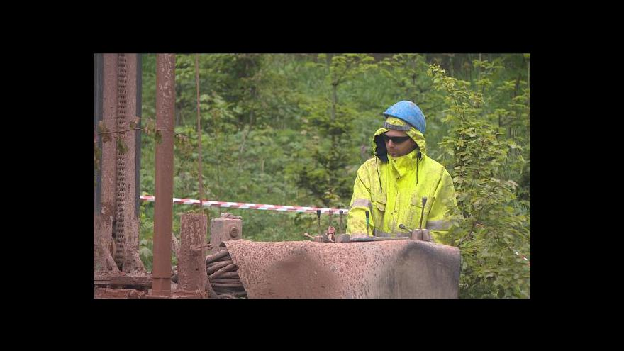 Video V Červeném Kostelci pátrají po zdroji chlorovaných uhlovodíků