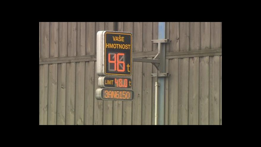 Video Události: Váhy na kamiony jsou, pokuty nepadají