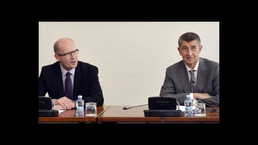 Video Babiš na roztrhání: Ministři žádají miliardy navíc