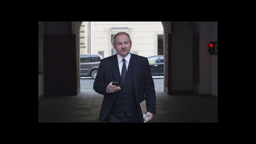 Video Hašek (ČSSD): Hlasovalo se politicky o historii