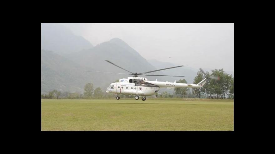 Video Člověk v tísni rozváží pomoc do odlehlých částí Nepálu