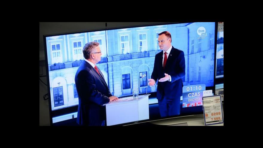 Video O polské prezidentské křeslo se utká Komorowski s Dudou