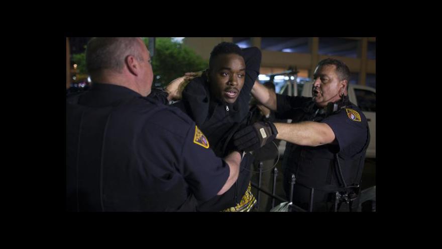 Video Po verdiktu soudu následovaly v Clevelandu protesty