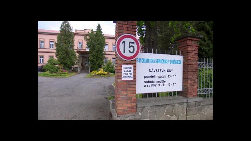 Video Ministr Němeček poslal do Dobřan kontrolu