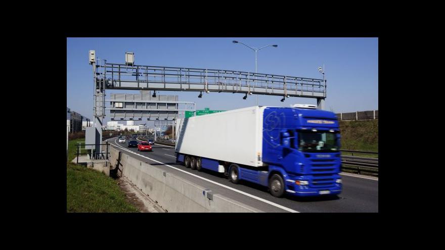 Video Mýtné brány by měly vážit kamiony
