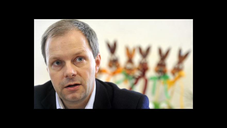 Video Chládkův odchod se odkládá, prezident chce po ministrovi vysvětlení