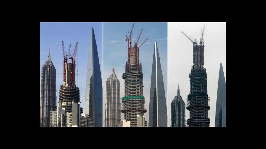 Video V Šanghaji postavili druhou nejvyšší budovu světa
