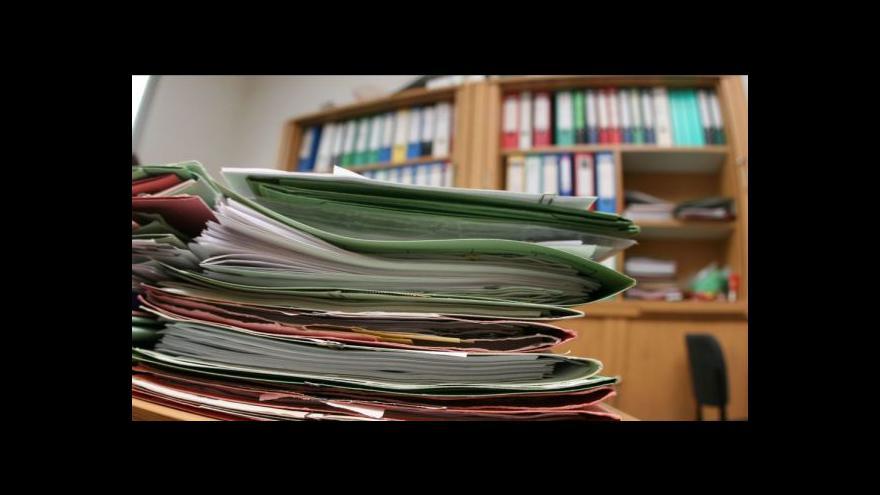 Video Dvě třetiny firem nezveřejňují finanční výkazy