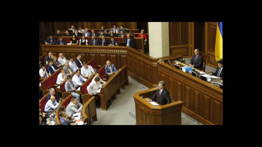 Video Lenka Víchová k projevu Petra Porošenka