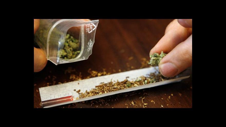 Video Kouření marihuany před dvacítkou trvale snižuje inteligenci