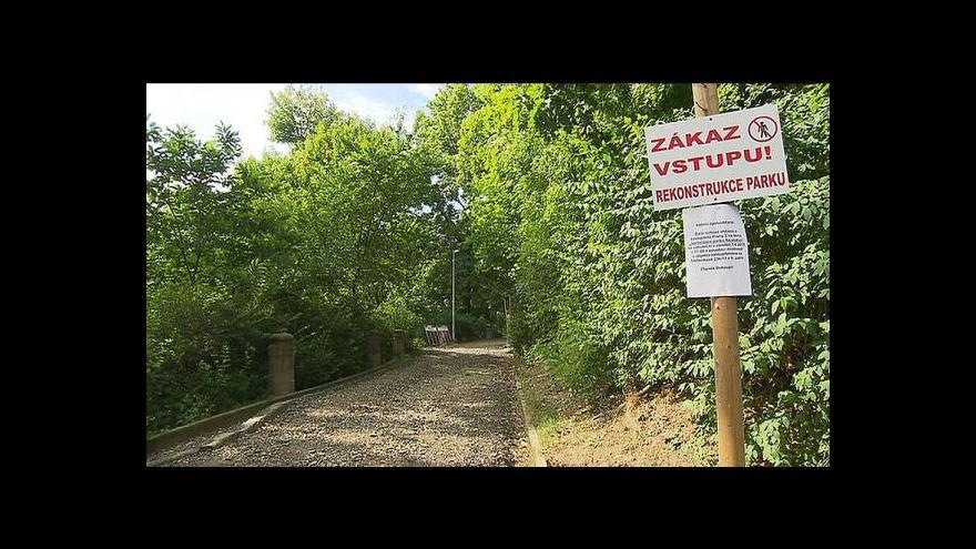 Video Kritizovaná revitalizace parku na Smíchově