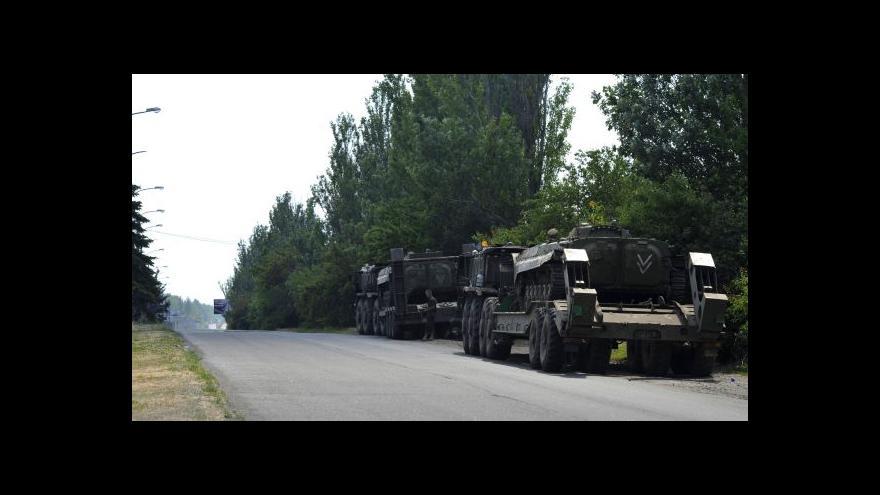 Video Politolog: Fakticky se na Ukrajině o válku jedná