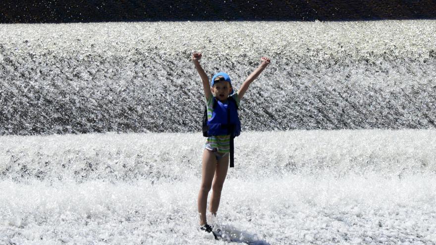 Video Českou republiku čekají první letošní tropy