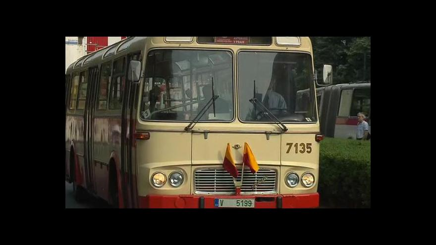 Video Dopravní podnik představuje průřez autobusovou historií