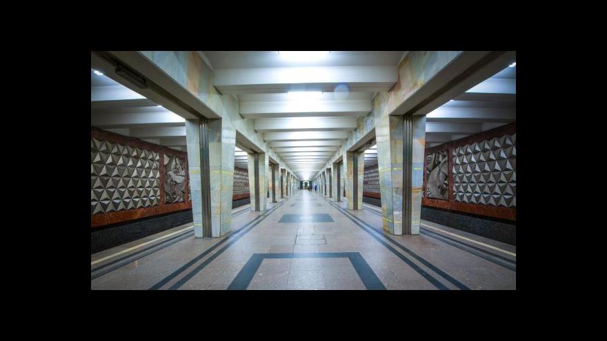 Video Moskevské metro jezdí už 80 let