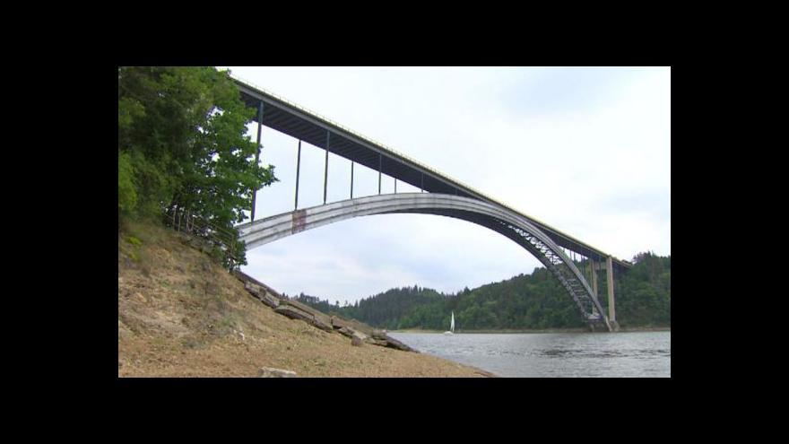 Video Žďákovský most uzavřela do prosince rekonstrukce