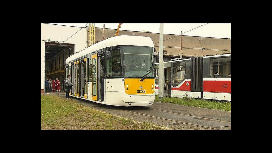 Video Bez komentáře: Nízkopodlažní jednovozová tramvaj EVO 1