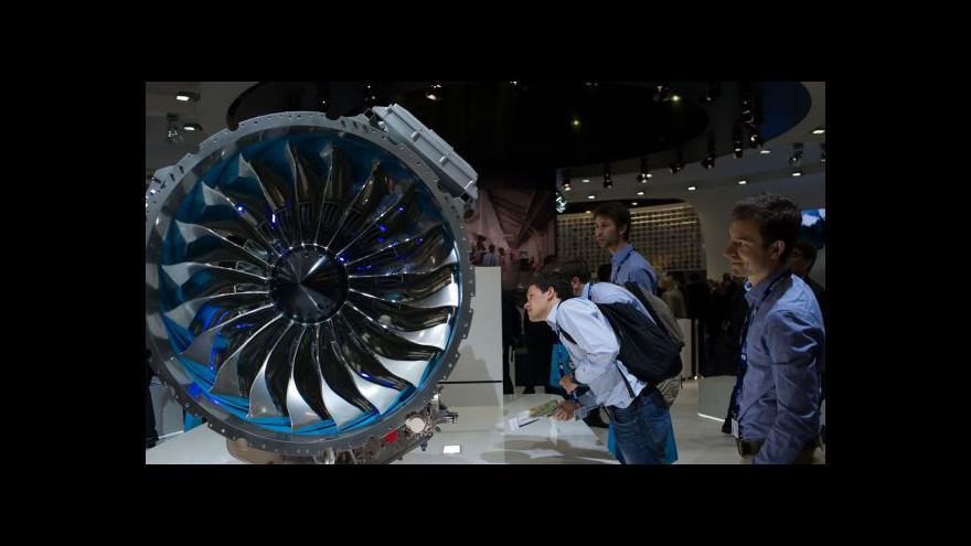 Video Aerosalon Le Bourget: Boeing poráží domácí Airbus