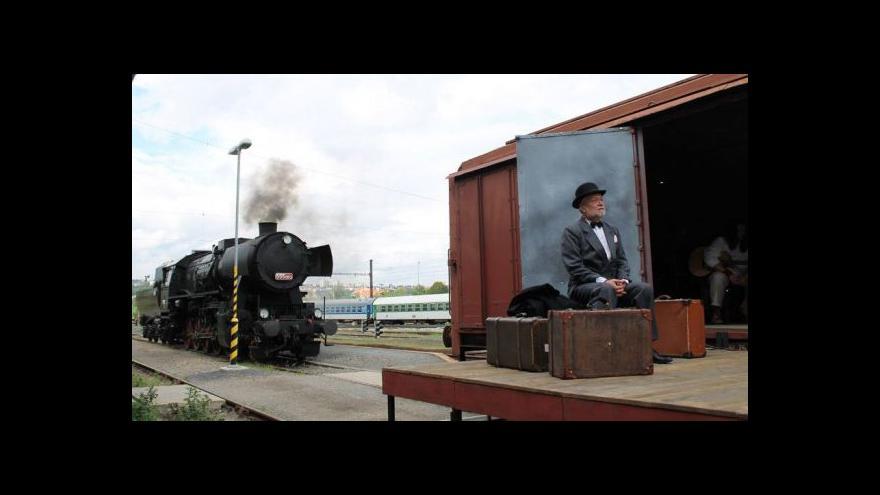 Video Vlak Lustig opět vyjíždí