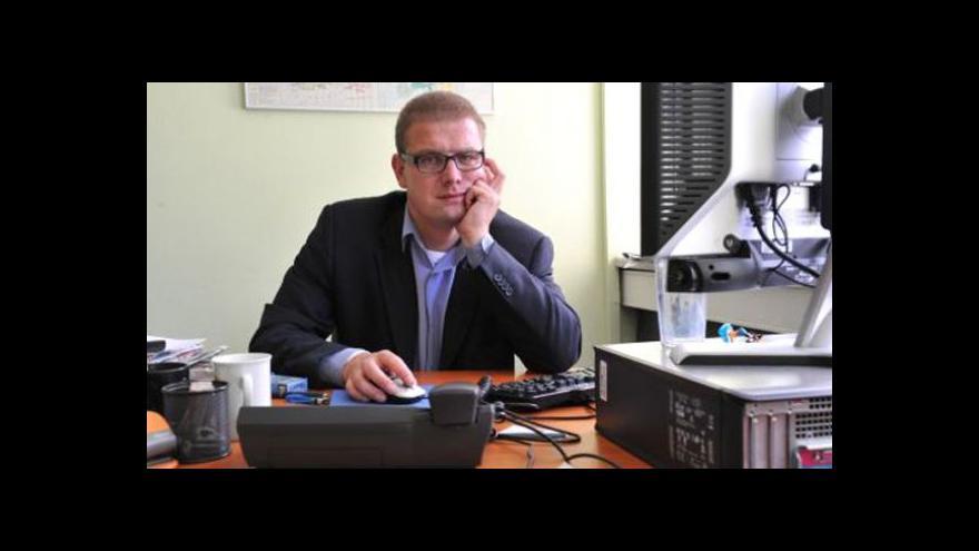 Video Šídlo: Složky s kompro materiály jsou v politice už 20 let