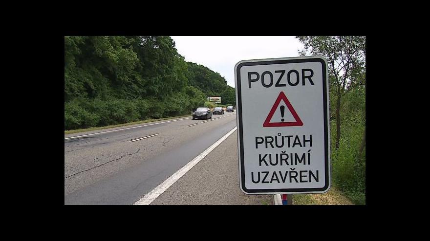 Video Silničáři uzavřeli průtah Kuřimí