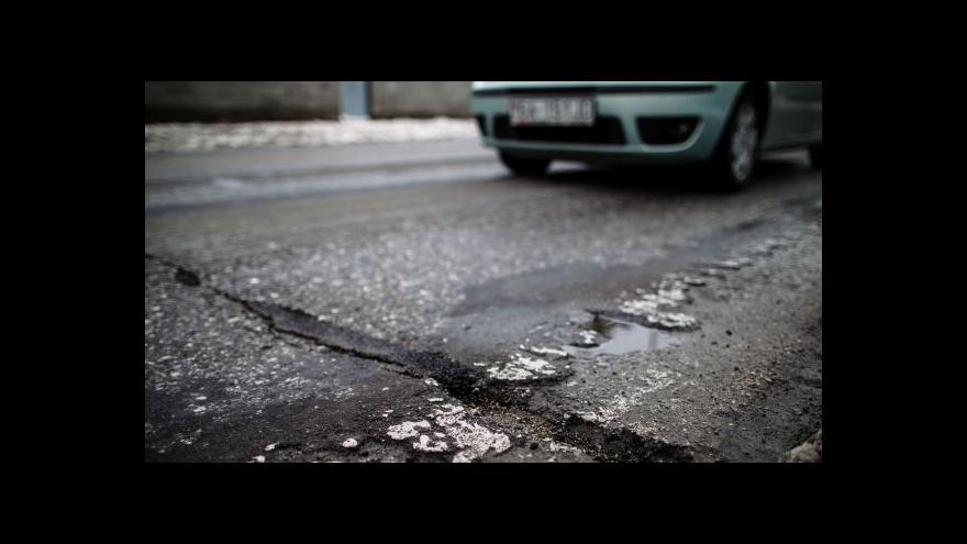 Video Sobotka: S opravou krajských silnic pomůžeme i příští rok