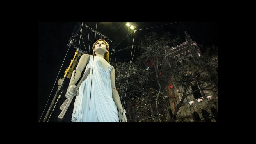 Video Do Plzně se chystají obří loutky