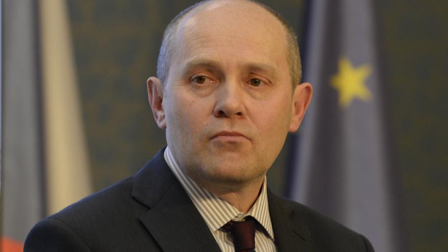 Video 90' ČT24 - Zákon o státní službě