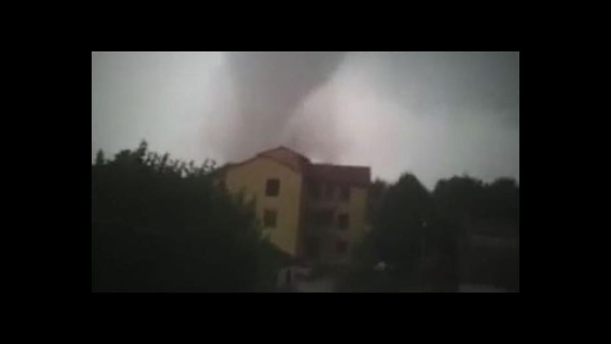 Video U Benátek zabíjelo tornádo
